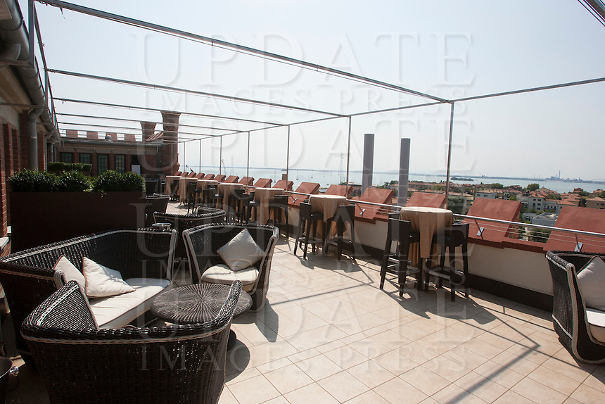 La terrazza dell'hotel Hilton Molino Stucky vista dal Canale della Giudecca, a Venezia.<br /> The terrace of the Hilton Molino Stucky hotel, seen from the GIudecca canal, in Venice.<br /> UPDATE IMAGES PRESS/Riccardo De Luca