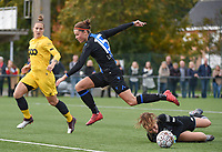 20191026 – Brugge, BELGIUM : Brugge's  Charlotte Laridon (M) with Standard's goalkeeper Lisa Lichtfus (R) and Maud Coutereels (L)pictured during a women soccer game between Club Brugge Dames and Standard Femina de Liege on the seventh matchday of the Belgian Superleague season 2019-2020 , the Belgian women's football  top division , Saturday 26 th October 2019 at the synthetic terrain 4 at the Jan Breydel site in Brugge  , Belgium  .  PHOTO SPORTPIX.BE | DIRK VUYLSTEKE