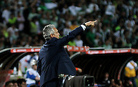 BOGOTA – COLOMBIA: 27-07-2016: Reinaldo Rueda, técnico  de Atletico Nacional de Colombia, durante partido de vuelta de la final, entre Atletico Nacional e Independiente Del Valle por la Copa Bridgestone Libertadores 2016 en el Estadio Atanasio Girardot, de la ciudad de Medellin. / Reinaldo Rueda, técnico  of Atletico Nacional of Colombia, during a match for the second leg for the final between Atletico Nacional and Independiente Del Valle for the Bridgestone Libertadores Cup 2016, in the Atanasio Girardot Stadium, in Medellin city. Photos: VizzorImage / Luis Ramirez / Staff.