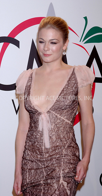WWW.ACEPIXS.COM . . . . . ....NEW YORK, NOVEMBER 15, 2005....LeAnn Rimes at The 39th Annual CMA Awards Press Room at Madison Square Gardens.......Please byline: KRISTIN CALLAHAN - ACE PICTURES.. . . . . . ..Ace Pictures, Inc:  ..Philip Vaughan (212) 243-8787 or (646) 679 0430..e-mail: info@acepixs.com..web: http://www.acepixs.com