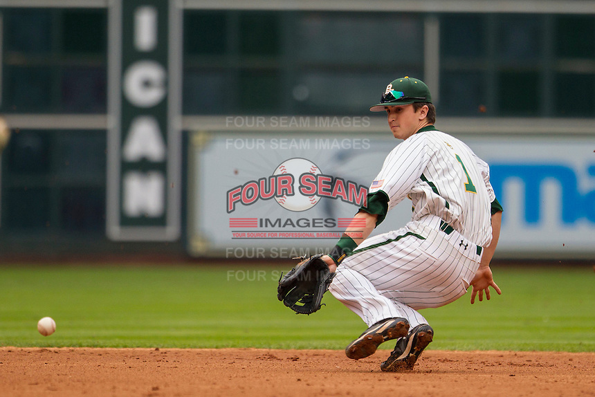 Baylor Bears shortstop Justin Arrington (1) falls as he fields a ground ball during the NCAA baseball game against the LSU Tigers on March 7, 2015 in the Houston College Classic at Minute Maid Park in Houston, Texas. LSU defeated Baylor 2-0. (Andrew Woolley/Four Seam Images)