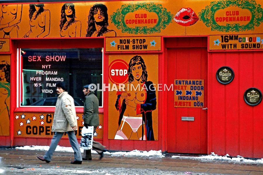 Fachada de loja pornô. Copenhague. Dinamarca. 1985. Foto de Juca Martins.