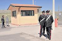 sorveglianza nel CARA di Mineo.<br /> surveillance in the reception center for migrants Mineo