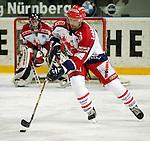 Eishockey Deutscher Eishockey-Pokal Arena Nuernberg (Germany) Halbfinale Nuernberg IceTigers - Adler Mannheim (1:5) Guy Lehoux (Nuernberg) am Puck