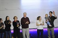 SCHAATSEN: Calgary: Essent ISU World Sprint Speedskating Championships, 28-01-2012, Tribute Jeremy Wotherspoon, Ouders en zussen Wotherspoon, vrouw Kim Weger, dochter Ella, ©foto Martin de Jong