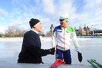 SCHAATSEN: BOEDAPEST: Essent ISU European Championships, 06-01-2012, Kornél Pajor HUN, Sven Kramer NED, ©foto Martin de Jong