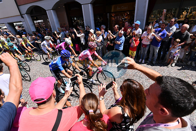 The start of Stage 20 of the 100th edition of the Giro d'Italia 2017, running 190km from Pordenone to Asiago, Italy. 27th May 2017.<br /> Picture: LaPresse/Gian Mattia D'Alberto | Cyclefile<br /> <br /> <br /> All photos usage must carry mandatory copyright credit (&copy; Cyclefile | LaPresse/Gian Mattia D'Alberto)