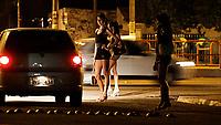 PA - MORTE TRANSEXUAL/REPERCUSSAO BELEM - GERAL - FOTO EMBARGADA PARA VEÍCULOS ESTADO DO PARÁ. <br /> Na noite de sababo em belem os travesti que fazem ponto no centro de belem ,falam da morte do travesti que foi encontrado morto na Itália e que foi pivô de um escândalo sexual que derrubou governador Piero Marrazzo é o paraense Wandell Mendes Paes, de 32 anos. ontem, a autópsia confirmou que o travesti Brenda, como Wandell era chamado, morreu por asfixia ao inalar fumaça em seu apartamento, que pegou fogo. O corpo do travesti foi encontrado carbonizado na madrugada de sexta-feira em Roma e sem sinais de lesões físicas, segundo a autópsia.<br /> <br /> Foto TARSO SARRAF/AE/AE