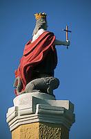 Europe/Italie/La Pouille/Polignano A Mare: Statue de St Sebastien patron des pécheurs devant l'abbaye sur le port