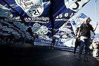 Rome, 15/10/2011. UNITED FOR GLOBAL CHANGE...Manifestazione degli Indignados italiani. Sono arrivati a Roma da tutta italia per sfilare come in tante altre città del mondo (anche a Tokio) ma sono nella capitale italiana qualche centinaia di teppisti hanno costretto la città a subire una battaglia di cinque ore con la polizia...Italian Indignados manifestation. They arrived in Rome from all over Italy to parade as in many other cities in the world,  but in the Italian capital a few hundred thugs have forced the city to undergo a five-hour battle with the police.