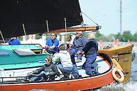 SKUTSJESILEN: LEMMER: Baai van Lemmer, 31-05-2014, Lemmer Ahoy, Douwe Visser wint met het skûtsje van Grou, Schipper Berend Mink op skûtsje D' Halve Maen (Drachter), ©foto Martin de Jong