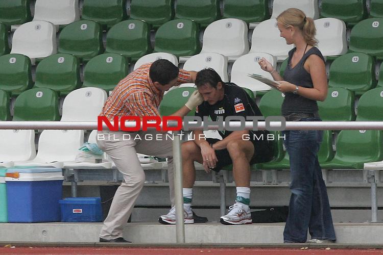 FBL 2006/2007 - Laktat Test WM R&uuml;ckkehrer Werder Bremen<br /> <br /> Miroslav Klose (Mitte) beim Laktat Test Lauf. F&uuml;r die drei Bremer Nationalspieler begann der Start in die neue Bundesliga Saison mit einem Laktat Test.<br /> <br /> Foto &copy; nordphoto <br /> <br /> <br /> <br />  *** Local Caption ***