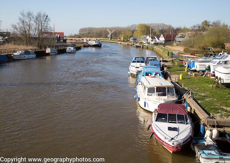 Leisure boats on the River Waveney, Norfolk Broads, St Olaves, England, UK