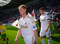 Saturday 22 September 2012 <br /> Pictured: Alan Tate, Ben Davies<br /> Barclays Premiership, Swansea City v Everton at the Liberty Stadium, south Wales.