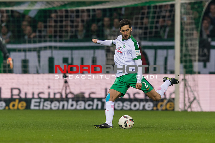 17.12.2016, Weserstadion, Bremen, GER, 1.FBL, Werder Bremen vs 1. FC Koeln<br /> <br /> im Bild<br /> Santiago Garcia (Bremen #2), <br /> <br /> Foto &copy; nordphoto / Ewert