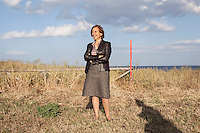 Maria Carmela Lanzetta neo ministro degli Affari Regionali.<br /> Dal 2006 al 2013 &egrave; stata sindaco di Monasterace, paese della Calabria. Nel Luglio del 2013 si &egrave; dimessa a causa delle difficolt&agrave; e per le continue minacce. La 'ndrangheta le ha bruciato la farmacia e sparato alle gomme dell'auto costringendola a vivere sotto scorta.<br /> <br /> <br /> Maria Carmela Lanzetta new Minister for regional affairs. <br /> 2006 to 2013 was mayor of Monasterace village in Calabria and was threatened by the Mafia