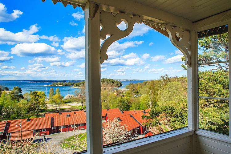 Utsikt från balkongen  på vandrarhemmet vid Gruvbryggan på Utö i Stockholms skärgård