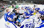 Stockholm 2015-03-14 Bandy Bronsmatch Hammarby IF - Villa Lidk&ouml;ping BK :  <br /> Villa Lidk&ouml;pings tr&auml;nare Johan Sixtensson i aktion under en timeout under matchen mellan Hammarby IF och Villa Lidk&ouml;ping BK <br /> (Foto: Kenta J&ouml;nsson) Nyckelord:  Tele2 Arena SM Brons Bronsmatch Tredjepris herr herrar Hammarby HIF Bajen Villa Lidk&ouml;ping VLBK tr&auml;nare manager coach