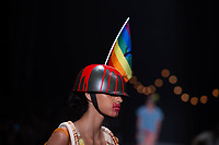 SAO PAULO, SP, 24.04.2019 - MODA-SP -Modelo durante desfile da marca Ronaldo Fraga durante a edição 47 da São Paulo Fashion Week, no espaço Arca, zona oeste de São Paulo, nesta quarta-feira, 24. (Foto: Ciça Neder / Brazil Photo Press )