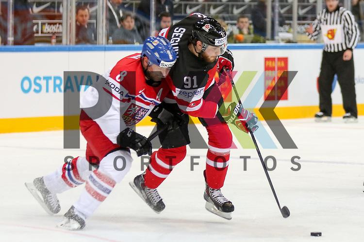 Tschechiens Hejda, Jan (Nr.8)(Colorado Avalanche) im Zweikampf mit Canadas Seguin, Tyler (Nr.91)  im Spiel IIHF WC15 Canada vs. Czech Republic.<br /> <br /> Foto &copy; P-I-X.org *** Foto ist honorarpflichtig! *** Auf Anfrage in hoeherer Qualitaet/Aufloesung. Belegexemplar erbeten. Veroeffentlichung ausschliesslich fuer journalistisch-publizistische Zwecke. For editorial use only.