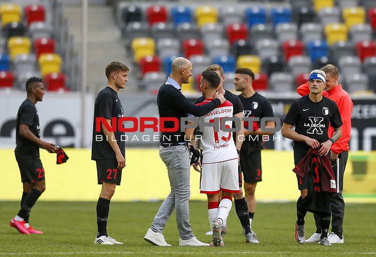 Trainer Heiko Herrlich (FCA), Erik Thommy (F95), Philipp Max (FCA)<br /><br />20.06.2020, Fussball, 1. Bundesliga, Saison 2019 / 2020<br />33.Spieltag, Fortuna Duesseldorf : FC Augsburg<br /><br />Foto : NORBERT SCHMIDT/POOL/ via Meuter/nordphoto<br /><br />Nur für journalistische Zwecke ! Only for editorial use .