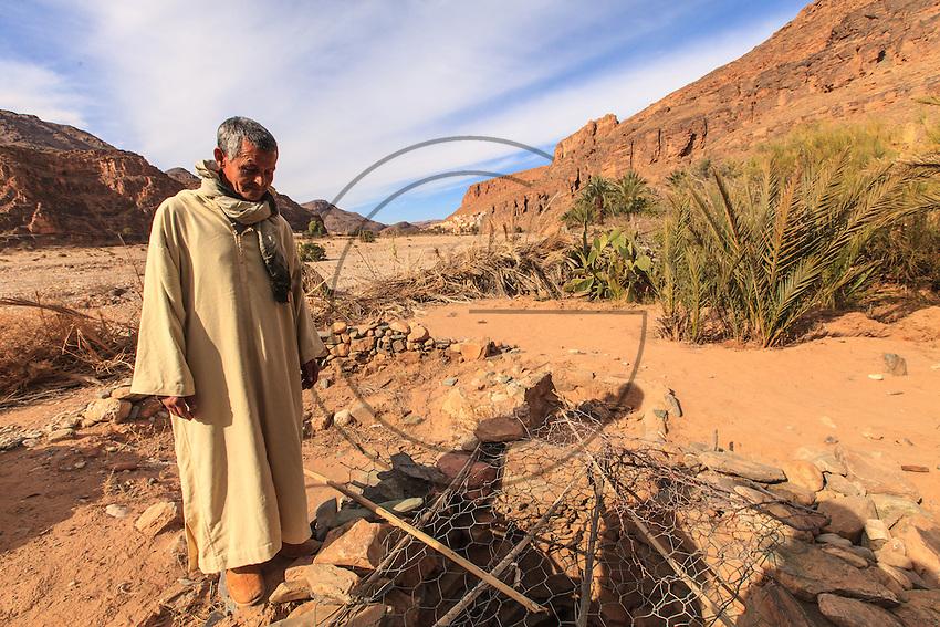 Africa, Marocco,Souk el Had d'Afella Irhit,Ued tamanart,berber man