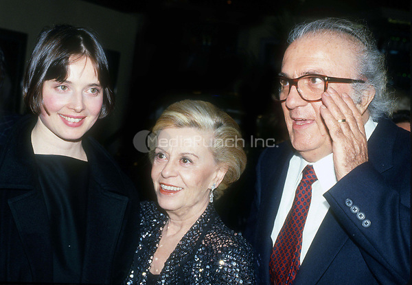Isabella Rossellini Federico Fellini Giulietta Masina 1977<br /> Photo By John Barrett/PHOTOlink.net / MediaPunch