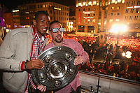 10.05.2014, Marienplatz, Muenchen, GER, 1. FBL, FC Bayern Muenchen Meisterfeier, im Bild Franck Ribery of Bayern Muenchen and his team mate Jerome Boateng (L) celebrate winning the German championship title Franck Ribery, Jerome Boateng, // during official Championsparty of Bayern Munich at the Marienplatz in Muenchen, Germany on 2014/05/11. EXPA Pictures © 2014, PhotoCredit: EXPA/ Eibner-Pressefoto/ EIBNER<br /> <br /> *****ATTENTION - OUT of GER***** <br /> Football Calcio 2013/2014<br /> Bundesliga 2013/2014 Bayern Campione Festeggiamenti <br /> Foto Expa / Insidefoto
