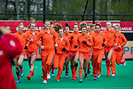 ROTTERDAM - Warming up oranje    tijdens de Pro League hockeywedstrijd dames, Nederland-USA  (7-1) .   COPYRIGHT  KOEN SUYK