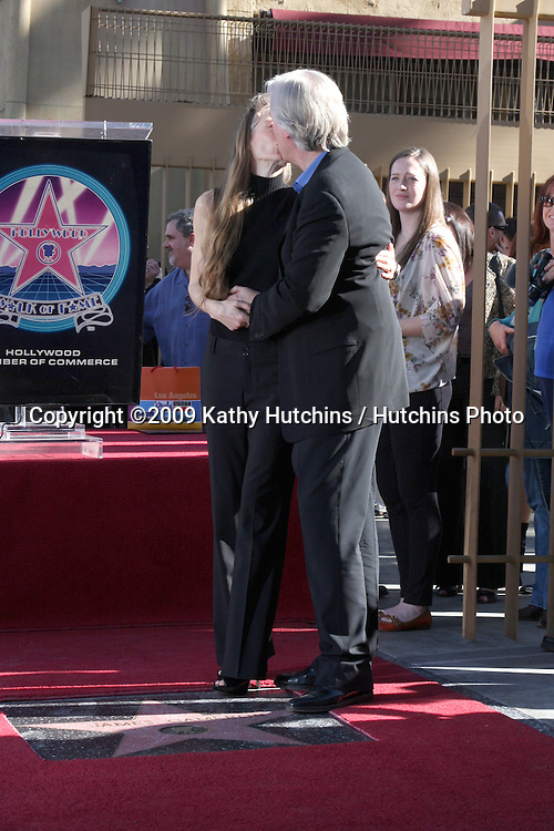 Suzy Amis & James Cameron. at the Hollywood Walk of Fame Ceremony for James Cameron.Egyptian Theater Sidewalk.Los Angeles,  CA.December 18, 2009.©2009 Kathy Hutchins / Hutchins Photo.