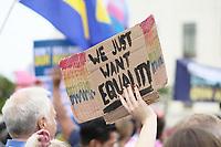 WASHINGTON DC, EUA, 08.10.2019 - PROTESTO-WASHINGTON DC - Protesto em defesa dos direitos dos Trabalhadores LGBTs em frente à Suprema Corte Americana, na cidade de Washington DC, capital dos Estados Unidos, nesta terça-feira, 8. (Foto Charles Sholl/Brazil Photo Press)