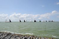 ZEILEN: Stavoren: IJsselmeer, 04-08-2014, IFKS sk˚tsjesilen, ©foto Martin de Jong