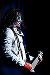 Korn performing at Mayhem 2010, Mansfield, MA