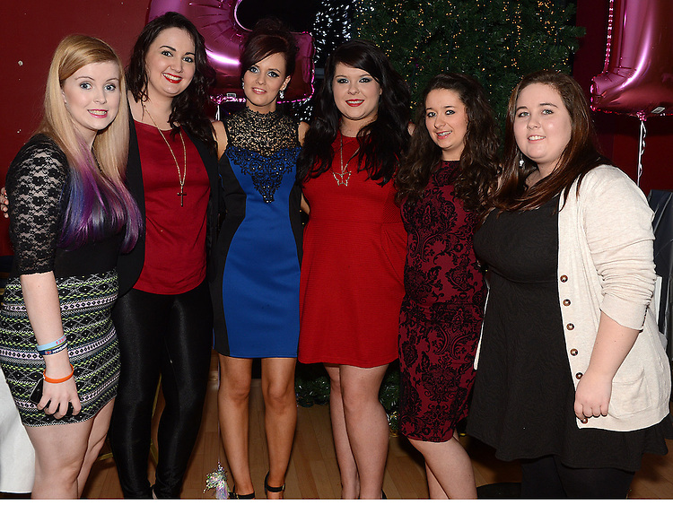Sinead Cluskey celebrating her 21st birthday in the Thatch with friends Nicole McHugh, Brienan Clarke, Rachel McDonnell, Aisling Nally and Kirsty Bowers. Photo:Colin Bell/pressphotos.ie