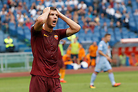 Calcio, Serie A: Roma vs Sampdoria. Roma, stadio Olimpico, 11 settembre 2016.<br /> Roma&rsquo;s Edin Dzeko reacts after missing a scoring chance during the Italian Serie A football match between Roma and Sampdoria at Rome's Olympic stadium, 11 September 2016. Roma won 3-2.<br /> UPDATE IMAGES PRESS/Riccardo De Luca