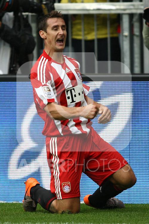 25.09.2010, Allianz Arena, Muenchen, GER, 1.FBL, FC Bayern Muenchen vs 1. FSV Mainz 05, im Bild  Freude nach dem 1-1 Miroslav Klose (Bayern #18) , Foto © nph / Straubmeier