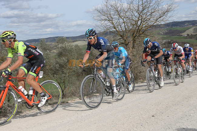 The peloton including Geraint Thomas (WAL) Team Sky give chase on sector 8 Monte Santa Maria during Strade Bianche 2019 running 184km from Siena to Siena, held over the white gravel roads of Tuscany, Italy. 9th March 2019.<br /> Picture: Eoin Clarke | Cyclefile<br /> <br /> <br /> All photos usage must carry mandatory copyright credit (© Cyclefile | Eoin Clarke)