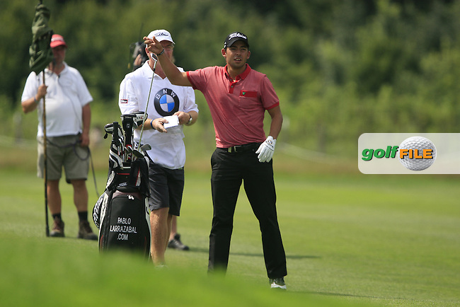 Pablo Larrazabal (ESP) prepares to play his 2nd shot on the 15th hole during the Final Day of the BMW International Open at Golf Club Munchen Eichenried, Germany, 26th June 2011 (Photo Eoin Clarke/www.golffile.ie)