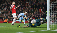 Arsenal's Emiliano Martinez sees Leeds United's Ezgjan Alioski's shot go just past his left hand post<br /> <br /> Photographer Rob Newell/CameraSport<br /> <br /> Emirates FA Cup Third Round - Arsenal v Leeds United - Monday 6th January 2020 - The Emirates Stadium - London<br />  <br /> World Copyright © 2020 CameraSport. All rights reserved. 43 Linden Ave. Countesthorpe. Leicester. England. LE8 5PG - Tel: +44 (0) 116 277 4147 - admin@camerasport.com - www.camerasport.com