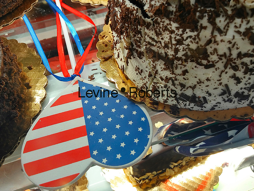 Independence Day promotion in a bakery in New York on Tuesday, June 28, 2016. (© Richard B. Levine)