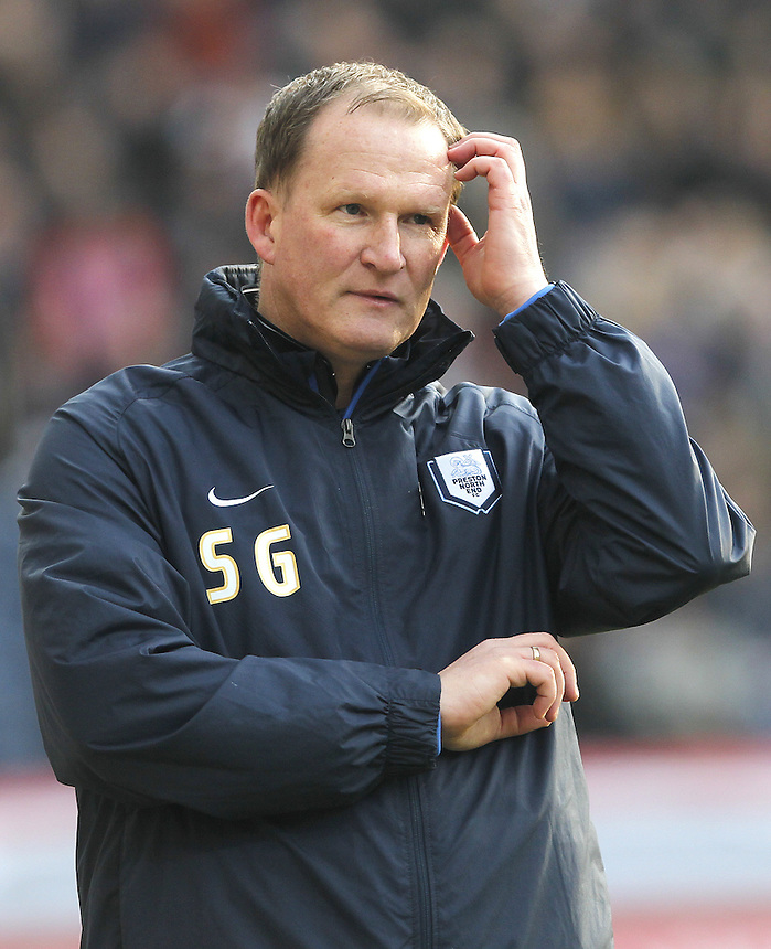 Preston North End's Manager Simon Grayson<br /> <br /> Photographer Mick Walker/CameraSport<br /> <br /> Football - The Football League Sky Bet League One - Preston North End v Coventry City - Saturday 7th February 2015 - Deepdale - Preston<br /> <br /> &copy; CameraSport - 43 Linden Ave. Countesthorpe. Leicester. England. LE8 5PG - Tel: +44 (0) 116 277 4147 - admin@camerasport.com - www.camerasport.com
