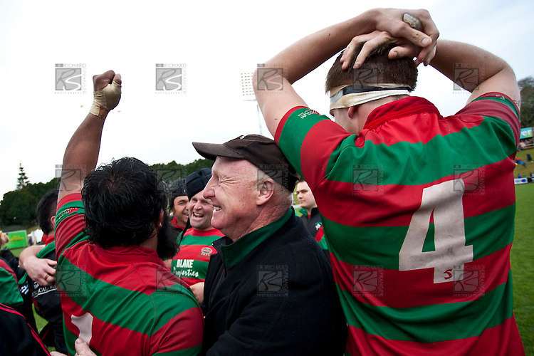 Peter Summerville embraces the Premier top try scorer Simon Lemalu at the conclusion of the game. Counties Manukau McNamara Cup Premier Club Rugby final between Pukekohe andWaiuku, held at Bayer Growers Stadium, on Saturday July 17th. Waiuku won 25 - 20.