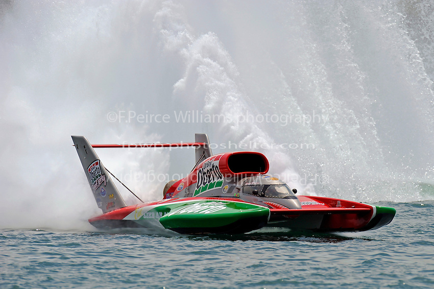 "Steve David, U-1 ""Oh Boy! Oberto""..10-12 July, 2009, 100th Gold Cup, Detroit River, Detroit, MI USA..©2009 F.Peirce Williams, USA."