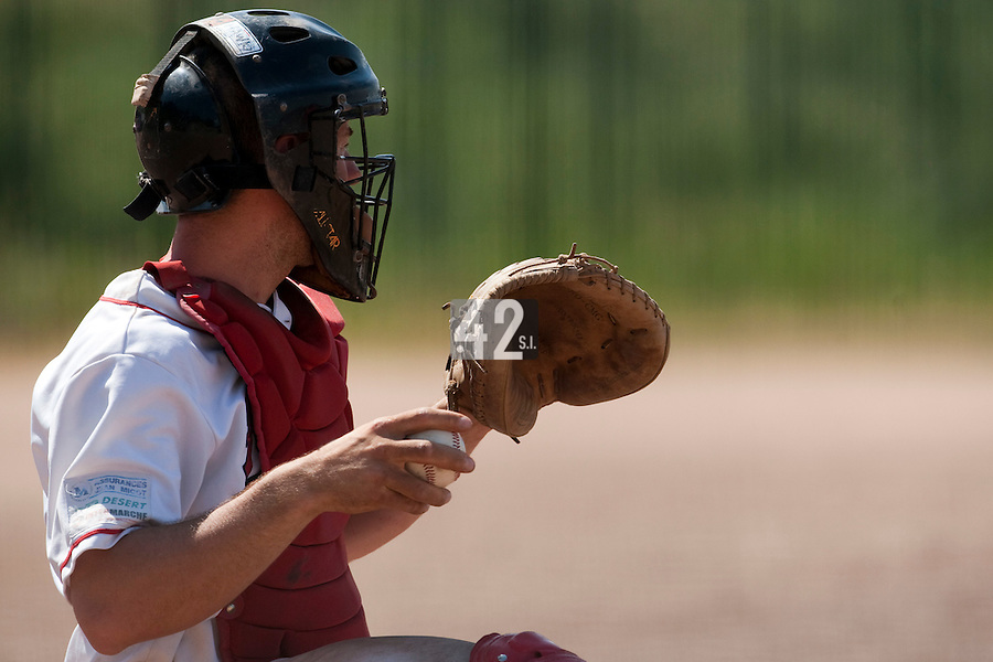 24 May 2009: Fabrice Morlier of La Guerche is seen catching during the 2009 challenge de France, a tournament with the best French baseball teams - all eight elite league clubs - to determine a spot in the European Cup next year, at Montpellier, France. Senart wins 8-5 over La Guerche.