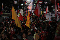 SÃO PAULO,SP, 10.06.2016 - PROTESTO-SP - Manifestantes ligados à diversos movimentos sociais, culturais e centrais sindicais participam do ato 'Fora Temer, Não ao Golpe, Nenhum Direito a Menos!', na Avenida Paulista, centro de São Paulo, nesta sexta-feira. O protesto faz parte da mobilização nacional contra o presidente em exercício, Michel Temer (PMDB). (Foto: Adar Rodrigues/Brazil Photo Press)