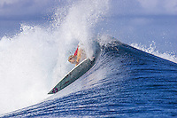 Rebeca Wood (AUS) surfing during the  2006 Billabong Pro Tahiti at Teahupoo. Photo: Joli