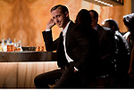 DIG, Film, &quot;Crazy, Stupid, Love&quot;, USA 2011, <br /> Regie: Glenn Ficarra, John Regua, Szene <br /> mit: Ryan Gosling,<br /> <br /> Kom&rdquo;die, Halbfigur, sitzend, Theke, Bar,<br /> ~<br /> movie, &quot;Crazy, Stupid, Love&quot;, USA 2011, director: Glenn Ficarra, John Regua, scene with: Ryan Gosling,<br /> comedy, half length, sitting, bar, bars,