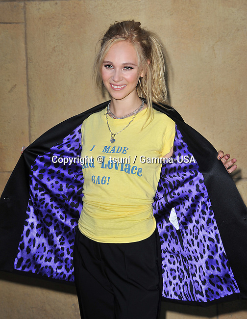 Juno Temple  arriving at the Lovelace Premiere at the Egyptian Theatre In Los Angeles.