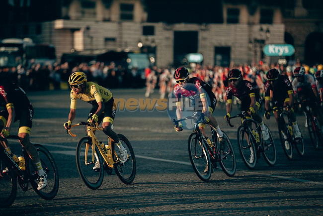 The peloton incliding Yellow Jersey Egan Bernal (COL) and Team Ineos enter Place de la Concorde during Stage 21 of the 2019 Tour de France running 128km from Rambouillet to Paris Champs-Elysees, France. 28th July 2019.<br /> Picture: ASO/Thomas Maheux | Cyclefile<br /> All photos usage must carry mandatory copyright credit (© Cyclefile | ASO/Thomas Maheux)