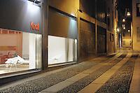 - Milan, Cornaggia street, Knoll showroom<br /> <br /> - Milano, via Cornaggia, showroom Knoll